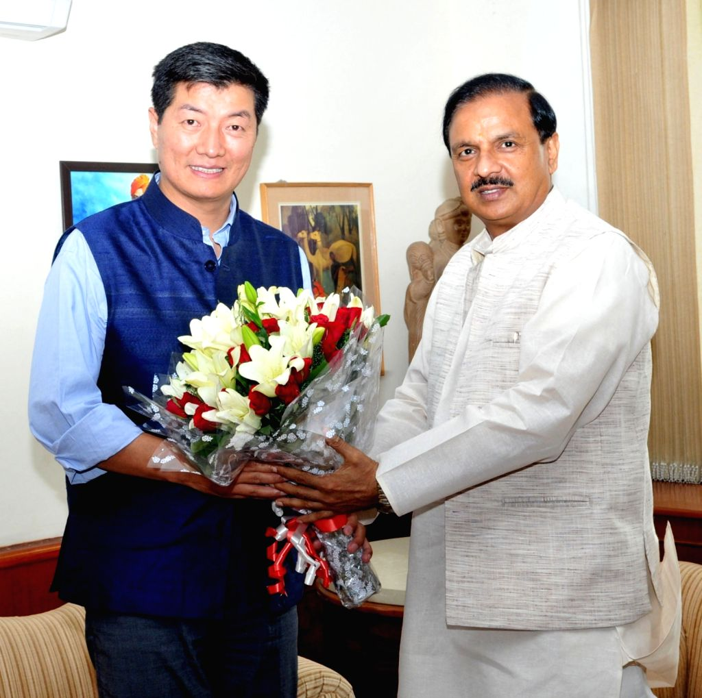 Tibetan Prime Minister in exile Lobsang Sangay calls on Minister of State for Culture and Tourism (Independent Charge), Dr. Mahesh Sharma in New Delhi on April 26, 2017. - Mahesh Sharma