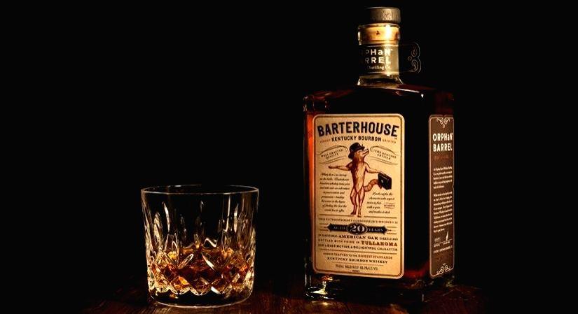 Tips to identify genuine liquor.