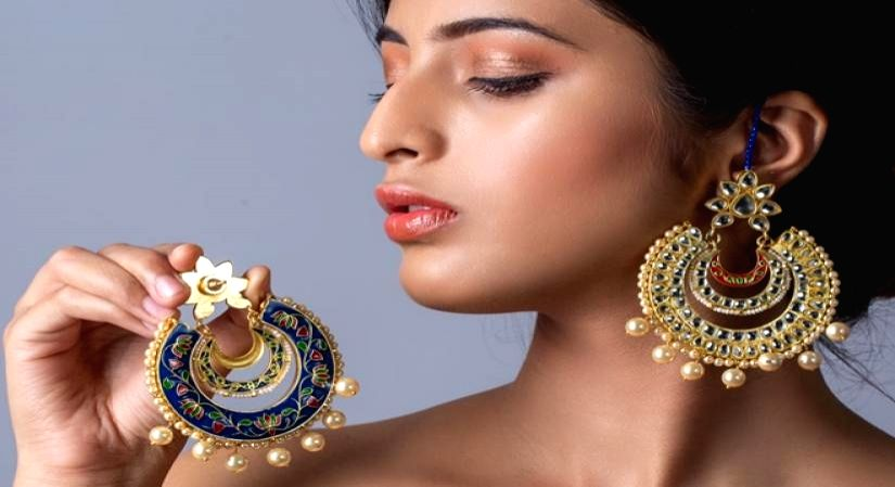 Tips to keep your fashion jewellery rust free .