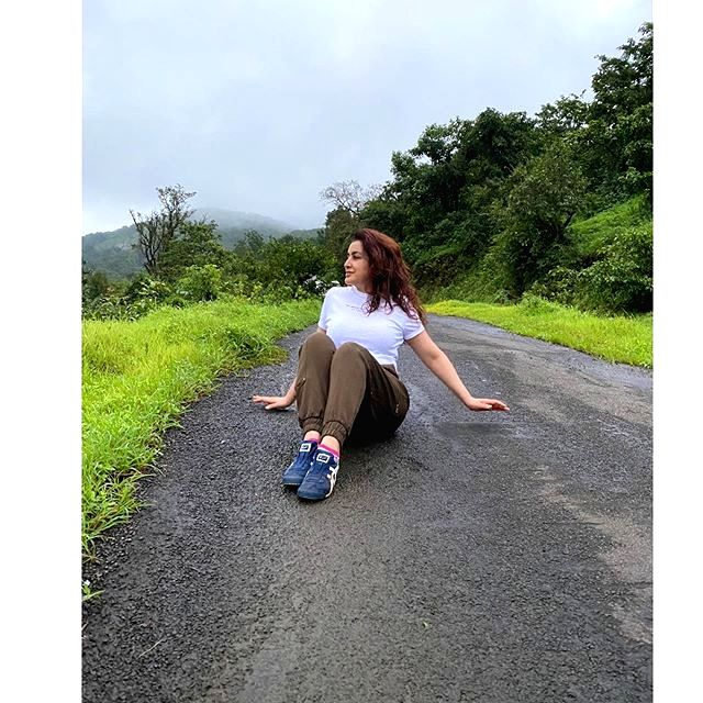Tisca Chopra demonstrates the fine art of posing amid a slip and fall - Tisca Chopra