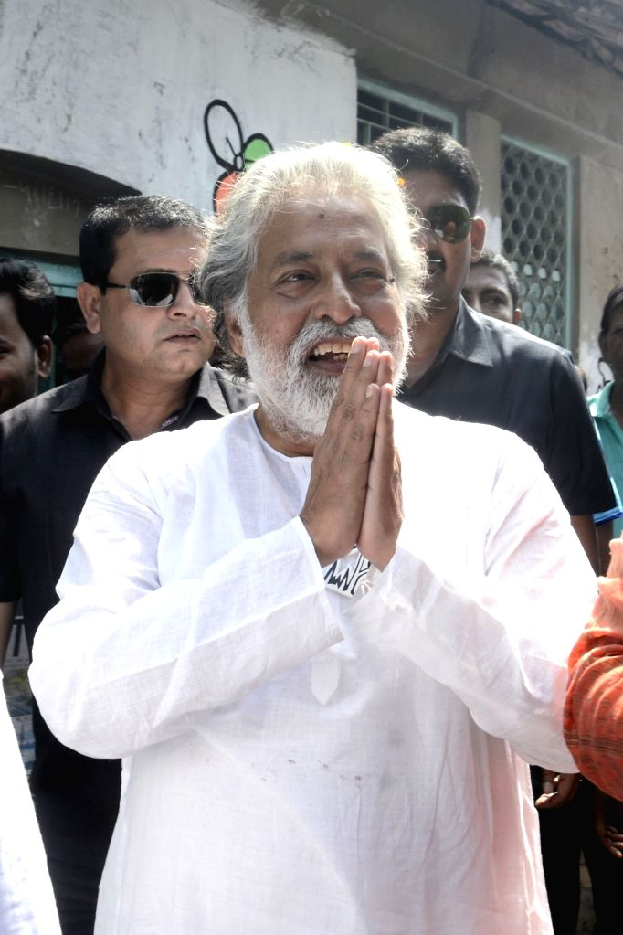TMC candidate for North Kolkata Lok Sabha constituency, Sudip Bandyopadhyay during an election campaign ahead of Lok Sabha poll in Kolkata, on April 28, 2019.