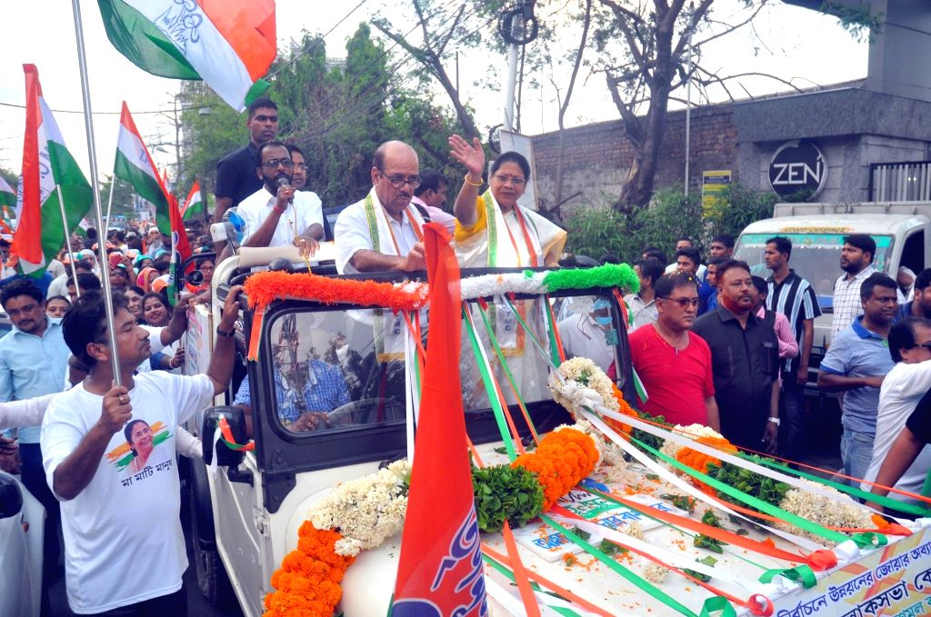 TMC candidate from Kolkata South constituency Mala Roy campaign ahead of Lok Sabha election 2019 in Kolkata on April 10, 2019. - Mala Roy