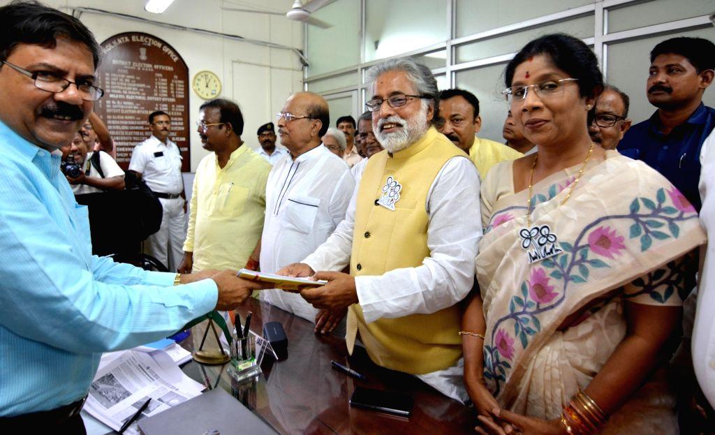 TMC's Lok Sabha candidate from North Kolkata, Sudip Bandyopadhyay files his nomination for the forthcoming Lok Sabha elections, in Kolkata on April 26, 2019.