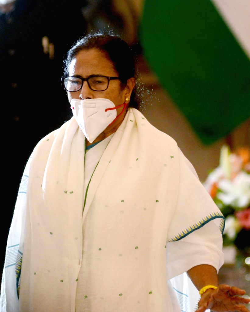 TMC Supremo Mamata Banerjee, Governor of West Bengal Jagdeep Dhankhar during Oath taking of Mamata Banerjee as the Chief Minister of West Bengal for the third time during her Swearing -in ... - Mamata Banerjee