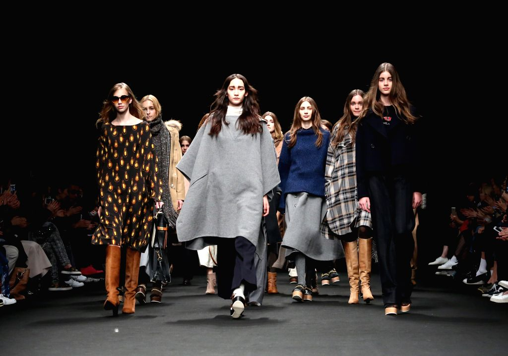 Models display creactions by designer Hidenori Kumakiri during the 2015 Autumn/Winter collection at the Tokyo Fashion Week in Tokyo, Japan, March 17, 2015. ...