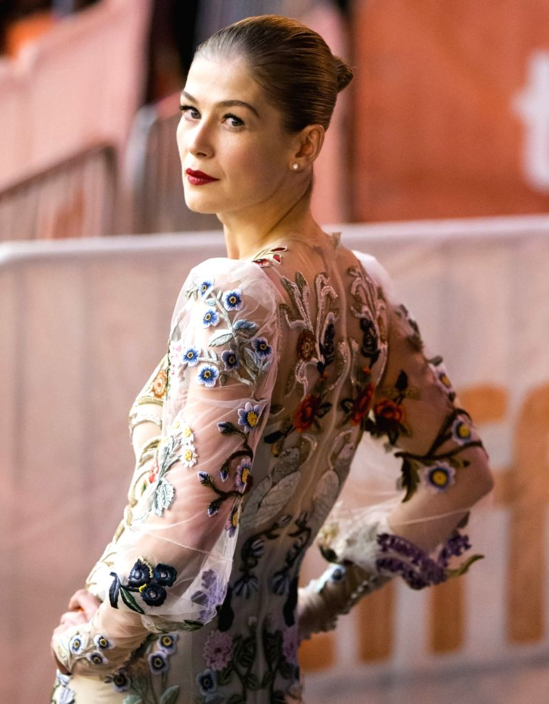 "TORONTO, Sept. 12, 2017 - Actress Rosamund Pike attends the premiere of film ""Hostiles"" at Princess of Wales Theatre during the 2017 Toronto International Film Festival in Toronto, Canada, ... - Rosamund Pike"