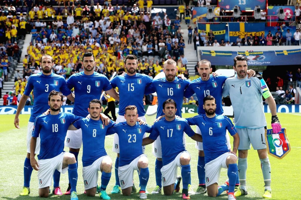 TOULOUSE, June 17, 2016 - Italian players pose for a photo prior to an Euro 2016 Group E soccer match between Italy and Sweden in Toulouse, France, June 17, 2016.