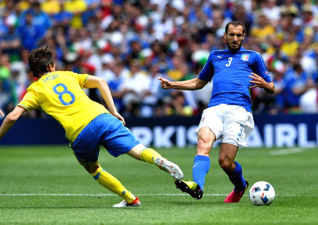 TOULOUSE, June 17, 2016 - Italy's Giorgio Chiellini (R) vies with Sweden's Albin Ekdal during the UEFA Euro 2016 group E match at the Stadium Municipal in Toulouse, France, June 17, 2016.
