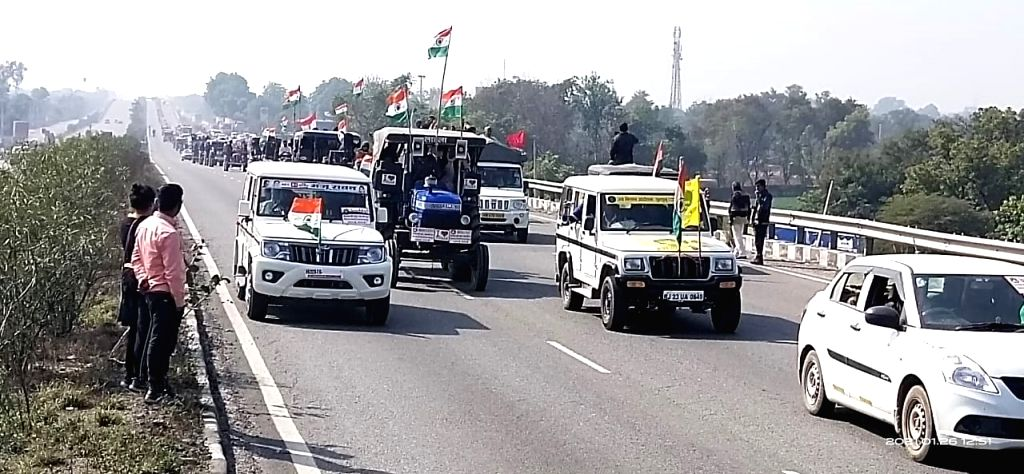 Tractor rally from Rajasthan remains peaceful, farmer leaders condemn Delhi violence.