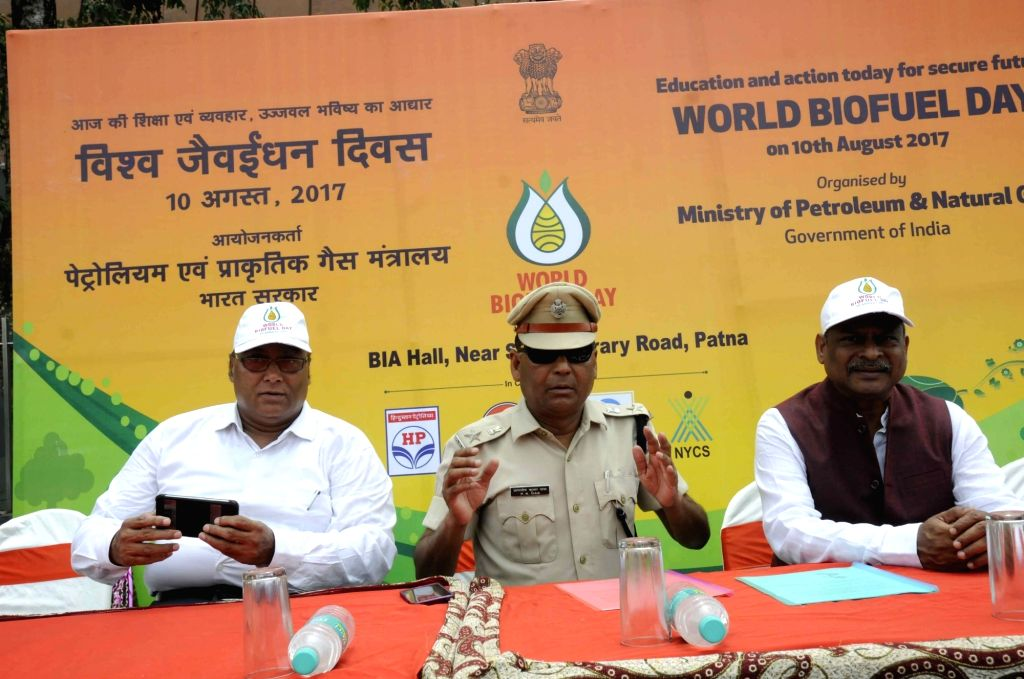 Traffic SP P K Das along with Indian Oil Corporation (IOC) officials during a cycle rally ahead of World Bio-Fuel Day in Patna on Aug 9, 2017.