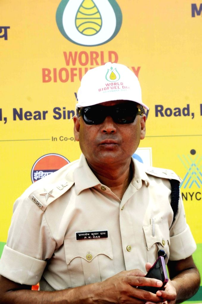 Traffic SP P K Das during a cycle rally ahead of World Bio-Fuel Day in Patna on Aug 9, 2017.