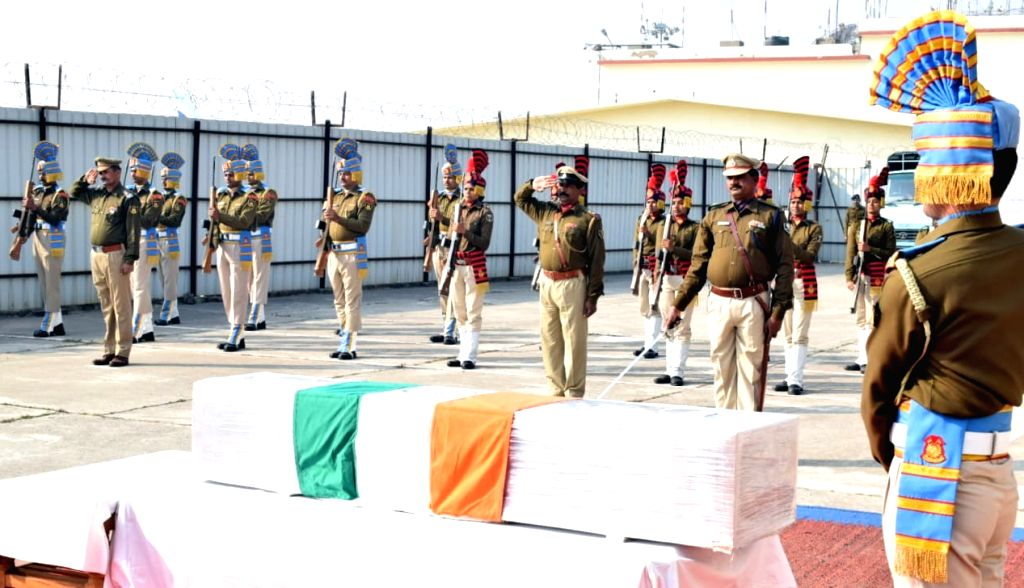 Tributes being paid to CRPF soldier Ramesh Ranjan who was martyred in an encounter with terrorists in Jammu and Kashmir; in Patna on Feb 6, 2020.