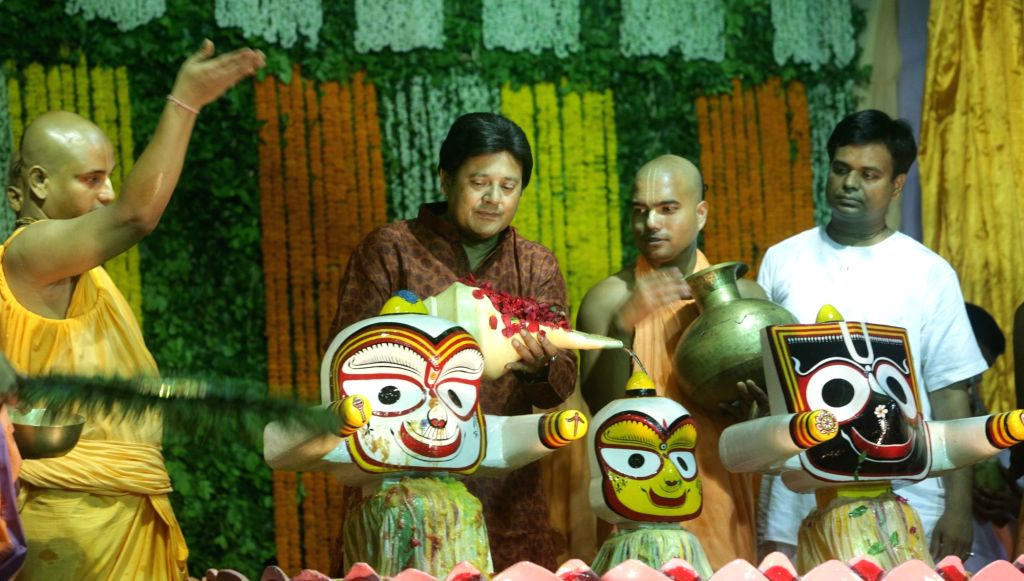 Trinamool Congress MP Tapas Paul performs rituals during Lord Jaganath's Snana Yatra at Iskon Temple in Kolkata on June 20, 2016.