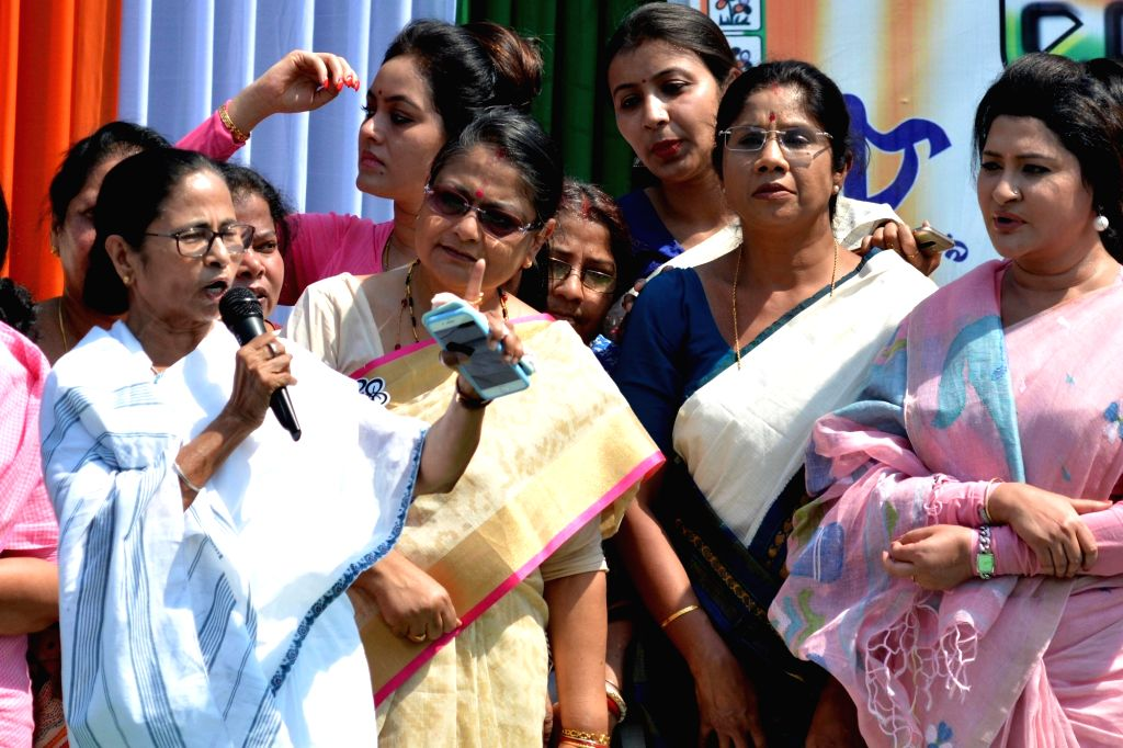 Trinamool Congress (TMC) workers led by West Bengal Chief Minister and party supremo Mamata Banerjee stage a demonstration on International Women's Day 2019 in Kolkata, on March 8, 2019. - Mamata Banerjee