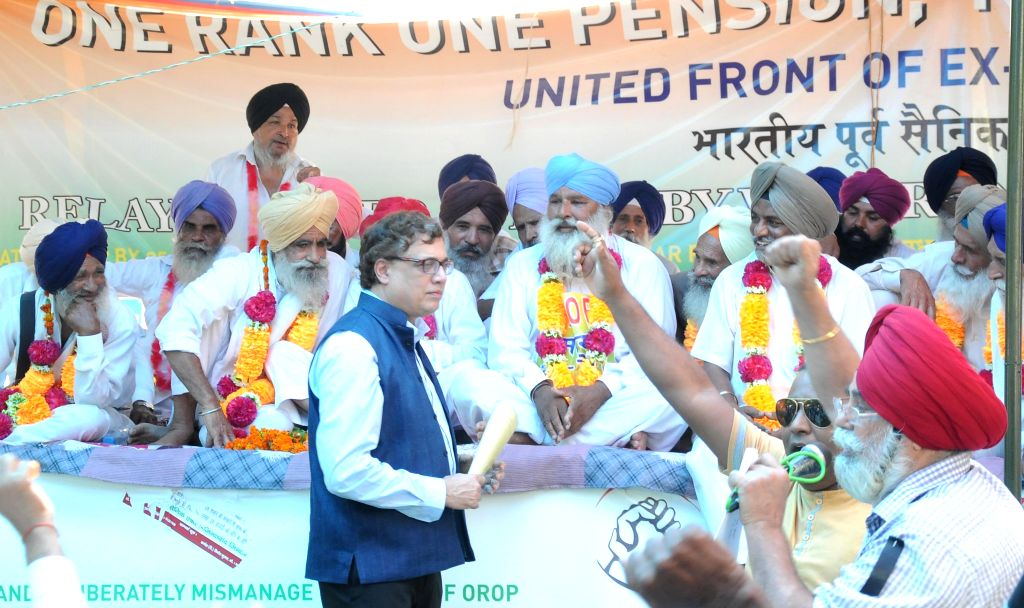 Trinamool MP Derek O'Brien meets Ex-Servicemen over 'One Rank One Pension' (OROP) at Jantar Mantar in New Delhi on July 15, 2015.