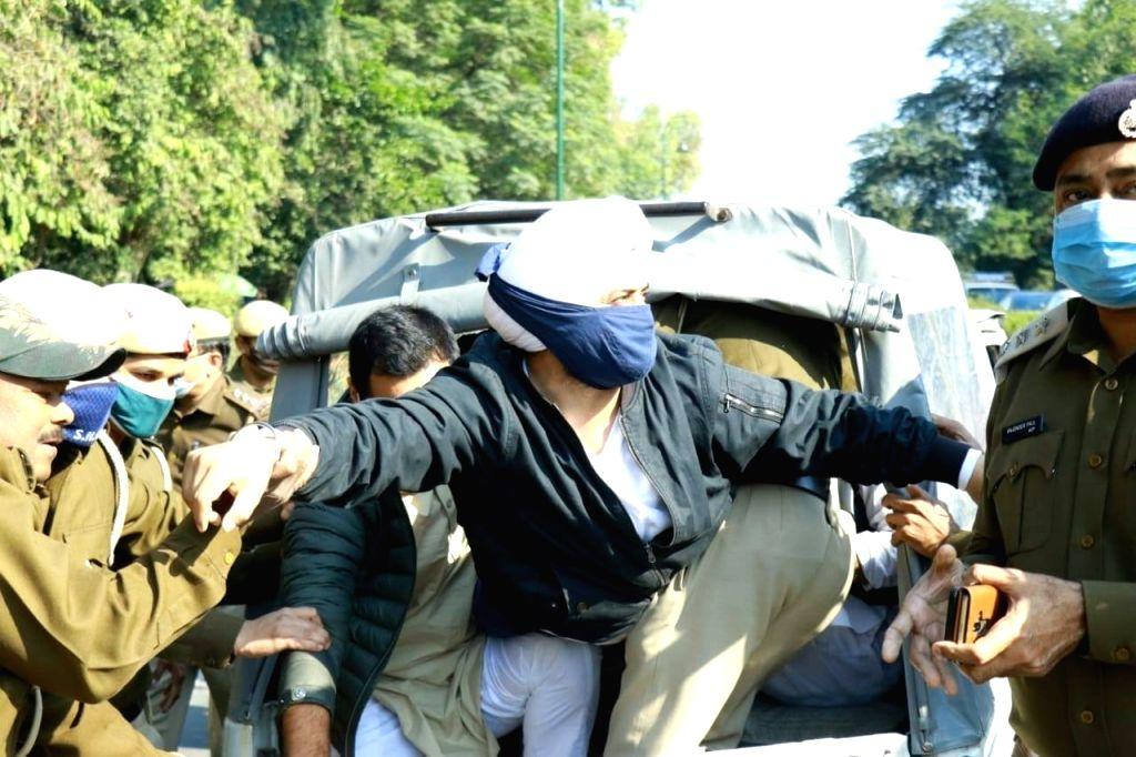 True Punjabi spirit amidst 'Delhi Chalo' march.