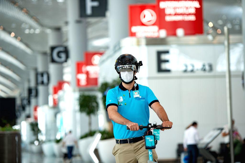 Turkey resumes international flights after 2 months