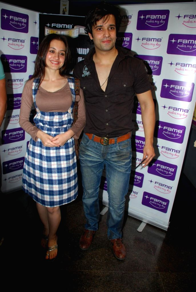 TV actors and couple Aamir Ali and Sanjeeda Sheikh at the premiere of the latest enghlish film 'Fast & the Furious 4' at fame. - Sanjeeda Sheikh