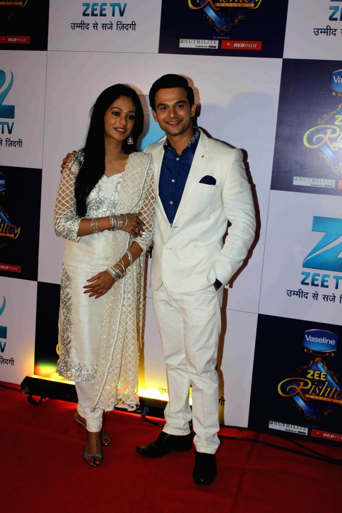TV Celebs at Zee Rishtey Awards 2014 in Mumbai on 29th November, 2014