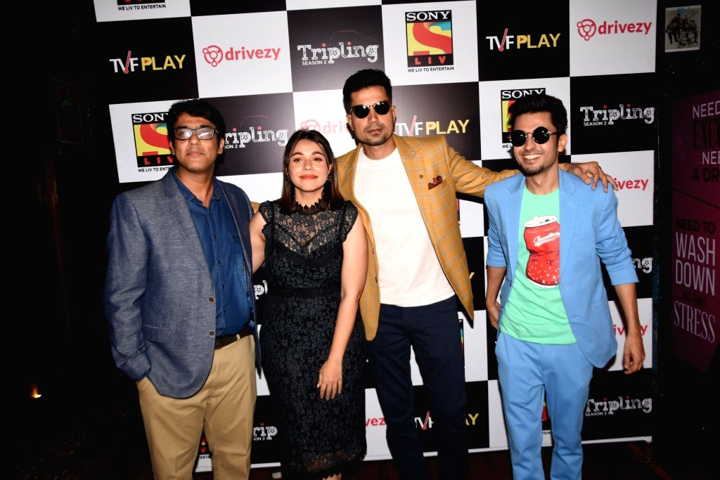TVF Originals Chief Content Officer and Head Sameer Saxena with actors Maanvi Gagroo, Sumeet Vyas and Amol Parashar at the launch of the second season of their upcoming web series 'Tripling' ... - Maanvi Gagroo, Sumeet Vyas and Amol Parashar