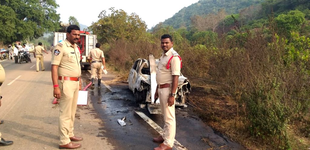Two dead as car catches fire after hitting electric pole in Andhra.