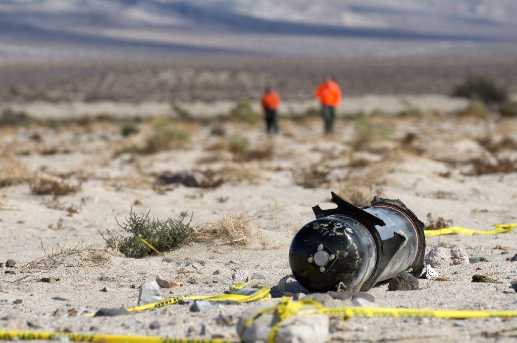 Two killed in LA plane crash