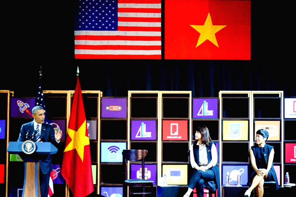 U.S. President Barack Obama (1st L) talks as he meets with young Vietnamese entrepreneurs in Ho Chi Minh City, Vietnam, May 24, 2016. Obama arrived at Ho ...