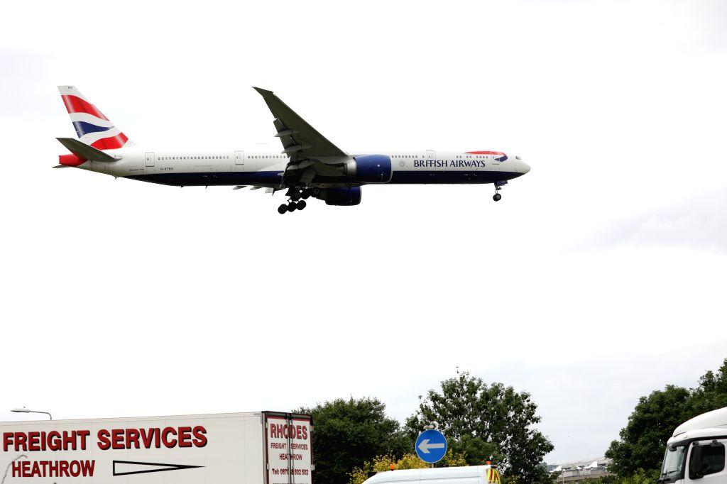 UK airlines launch quarantine legal challenge