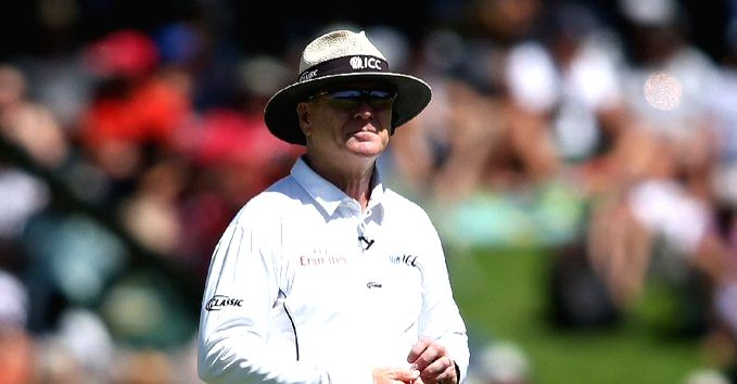 Umpire Bruce Oxenford announces retirement from international cricket (Credit: @ICC/Twitter)
