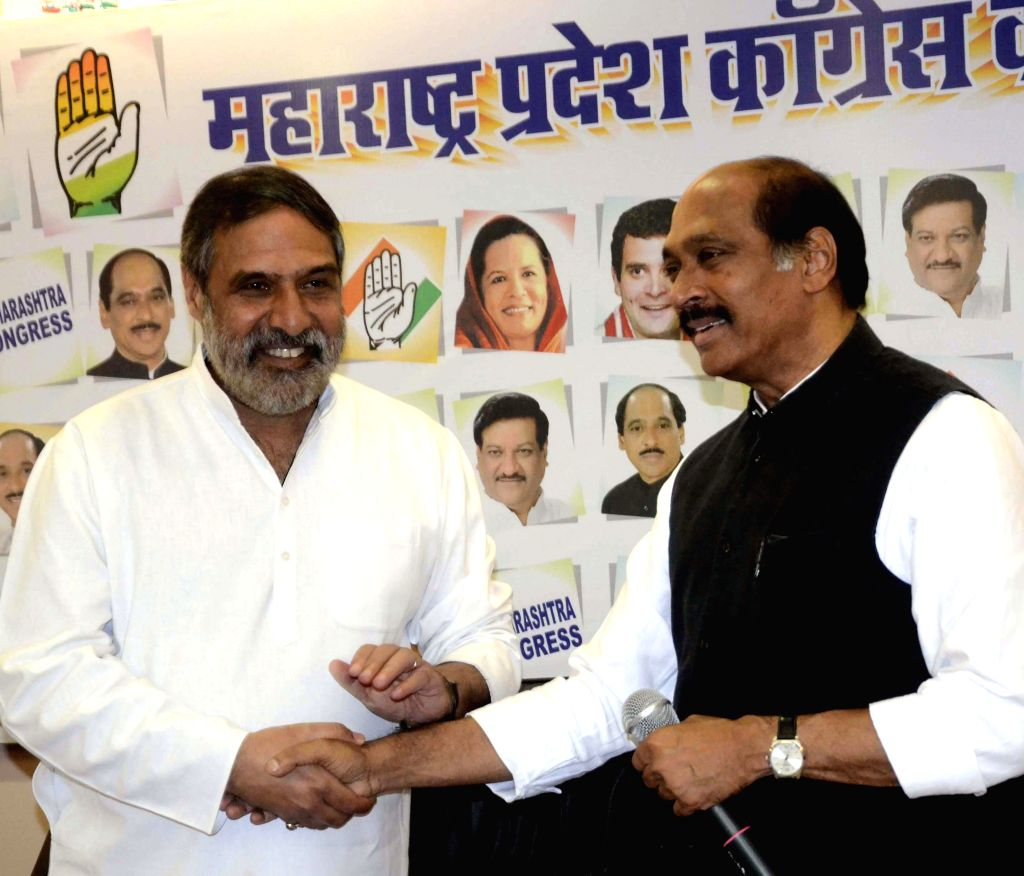 Union Commerce Minister Anand Sharma addressing media at a press conference with state Congress president Manikrao Thackeray at Gandhi Bhavan in Mumbai on April 19, 2014.