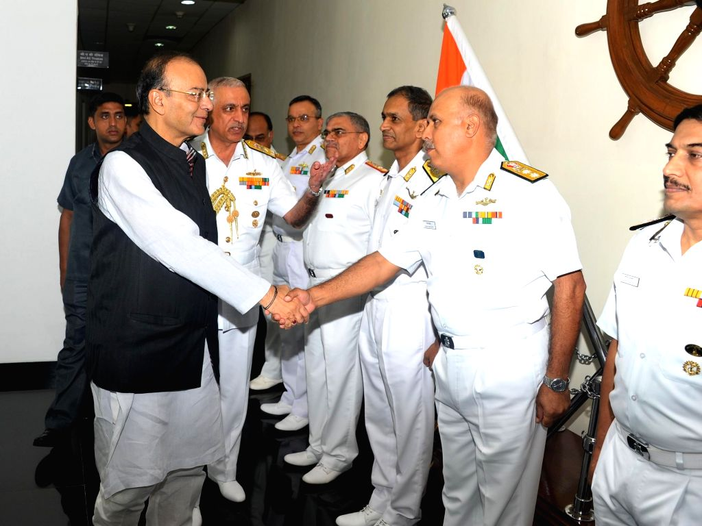 Union Defence Minister Arun Jaitley and Flag Officer Commanding- in-Chief Western Naval Command Vice Admiral Girish Luthra at Western Naval Command headquarters in Mumbai on Aug 19, 2017. - Arun Jaitley