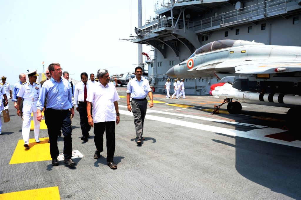 Union Defence Minister Manohar Parrikar and US Defence Secretary Ashton Carter aboard INS Vikramaditya, off-Goa coast on April 11, 2016. - Manohar Parrikar