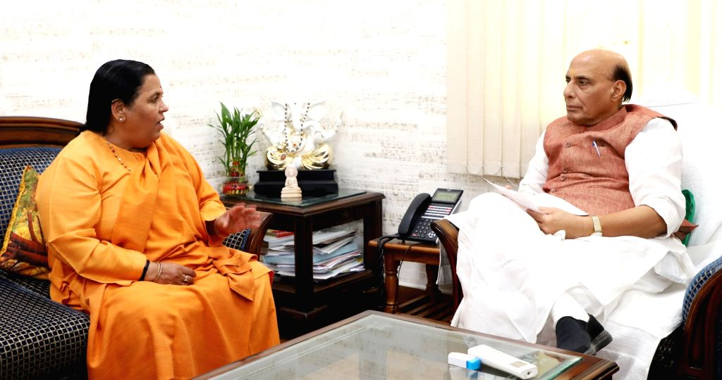 Union Drinking Water and Sanitation Minister Uma Bharti meets Union Home Minister Rajnath Singh in New Delhi, on Oct 31, 2018. - Uma Bharti and Rajnath Singh