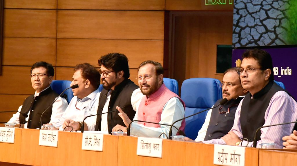 Union Environment, Forest and Climate Change Minister Prakash Javadekar accompanied by Union MoS Environment, Forest and Climate Change Babul Supriyo during a press conference in New ... - Prakash Javadekar