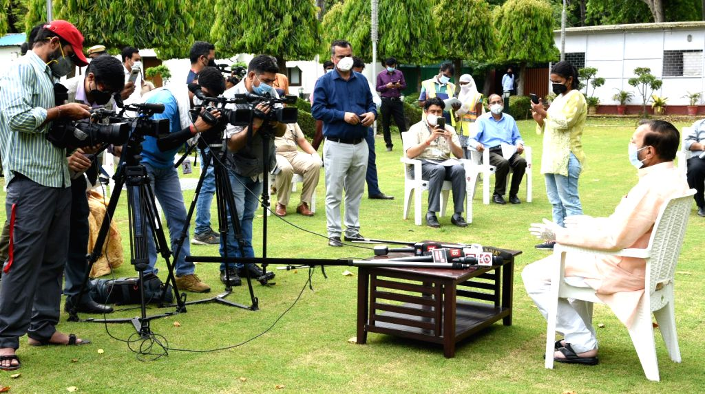 Union Environment, Forest & Climate Change, Information & Broadcasting and Heavy Industries and Public Enterprise Minister Prakash Javadekar taks to the media after handing over ... - Prakash Javadekar