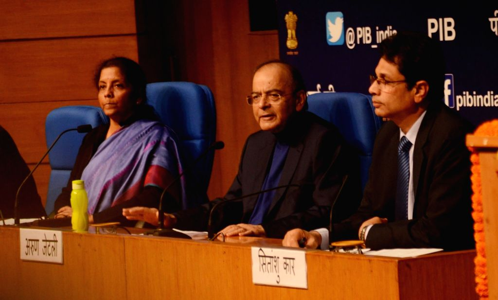 Union Finance Minister Arun Jaitley and Defence Minister Nirmala Sitharaman during a press conference in New Delhi on Dec 14, 2018. - Arun Jaitley