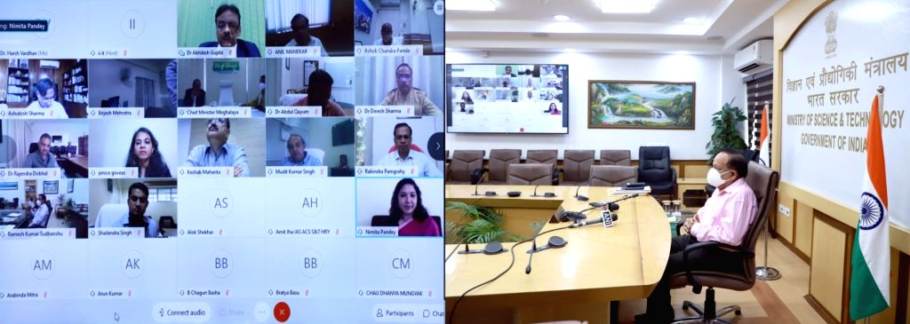 Union Health & Family Welfare, Science & Technology and Earth Sciences Minister Harsh Vardhan holds a meeting with the State S&T Ministers for Consultation on Science, ... - Harsh Vardhan