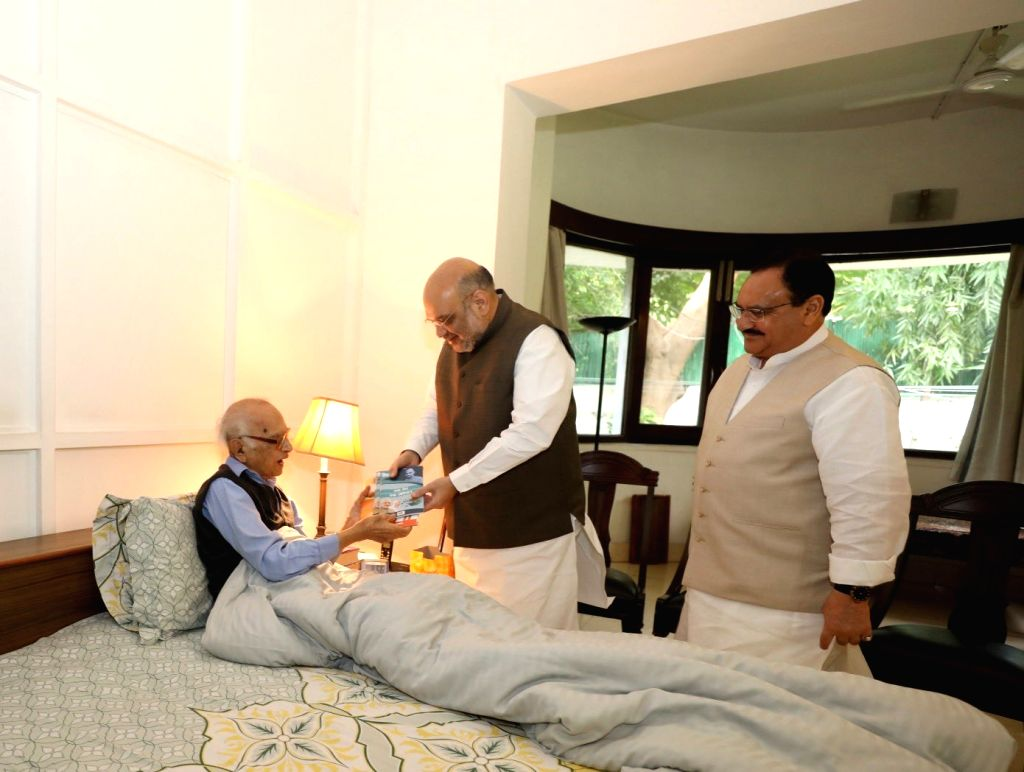 Union Home Minister Amit Shah meets former Jammu and Kashmir Governor Jagmohan Malhotra in New Delhi on Sep 3, 2019. Also seen BJP working president JP Nadda. - Amit Shah and Jagmohan Malhotra