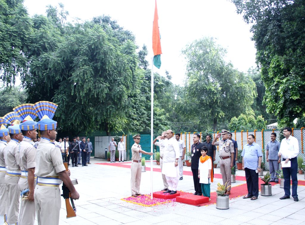 Union Home Minister Rajnath Singh hoisting the National Flag on 69th Independence Day Celebrations, in New Delhi on August 15, 2015.