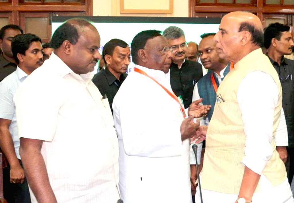 Union Home Minister Rajnath Singh, Karnataka Chief Minister H.D. Kumaraswamy and Puducherry Chief Minister V. Narayanasamy at the 28th Meeting of the Southern Zonal Council, in Bengaluru ... - Rajnath Singh