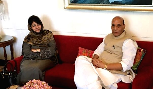 Union Home Minister Rajnath Singh meets Jammu and Kashmir Chief Minister Mehbooba Mufti in Srinagar on June 7, 2018. - Rajnath Singh and Mehbooba Mufti