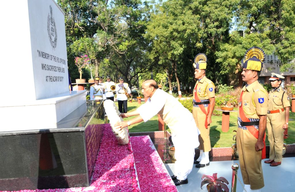 Union Home Minister Rajnath Singh pays tribute to the Martyrs column at Sardar Vallabhbhai Patel National Police Academy in Hyderabad on Nov 25, 2016. - Rajnath Singh