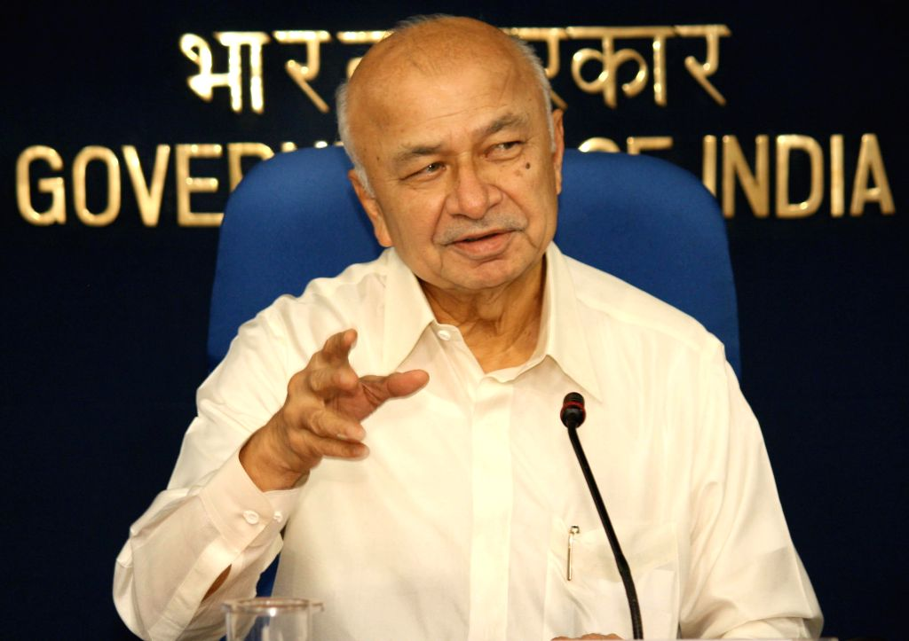 Union Home Minister Sushilkumar Shinde at a press conference in New Delhi on September, 07, 2013. (Amlan Paliwal/IANS) - Sushilkumar Shinde