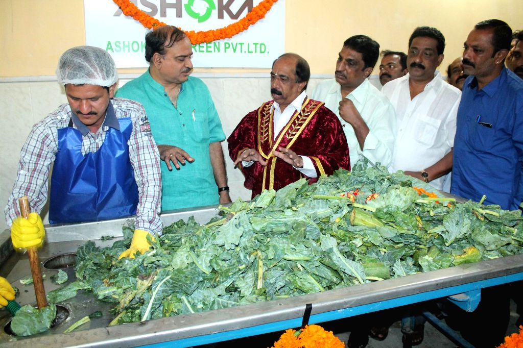 Union Minister Ananth Kumar with Mayor BS Satyanarayana, Councilor Nagaraj and others seen during the inauguration of Bio Methanisation Unit, near South End Circle, in Bangalore on August 2, 2014. - Ananth Kumar