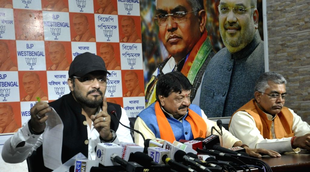 Union Minister and BJP leader Babul Supriyo addresses a press conference in Kolkata on Dec 4, 2017. Also seen West Bengal BJP chief Dilip Ghosh and party leader Kailash Vijayvargiya. - Dilip Ghosh