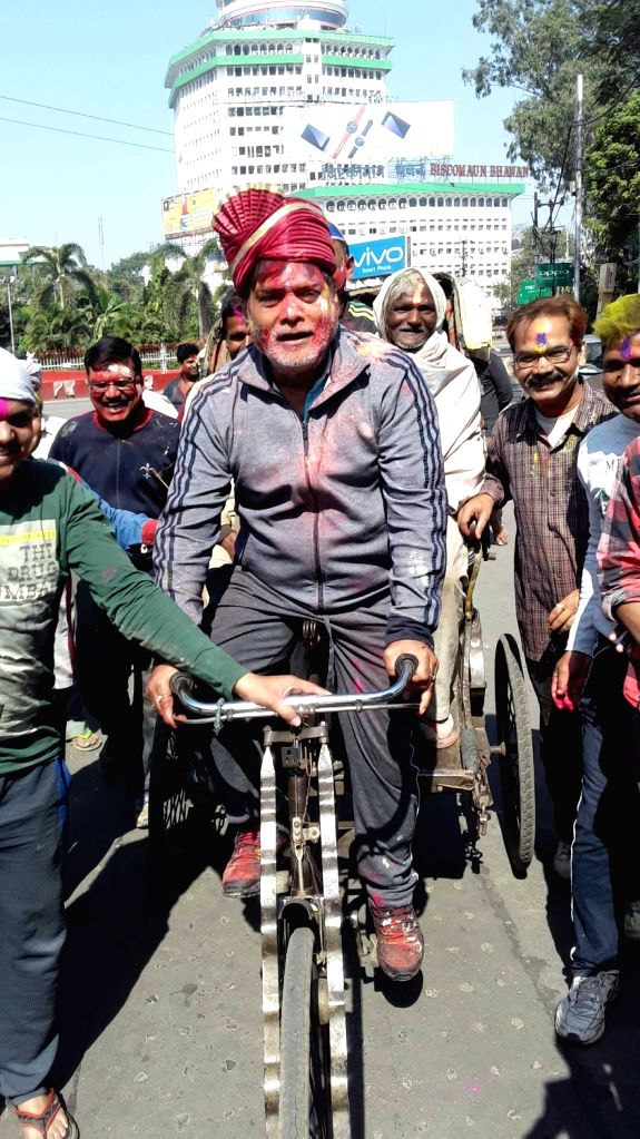 Union Minister and BJP leader Ram Kirpal Yadav celebrates holi in Patna on March 13, 2017. - Kirpal Yadav
