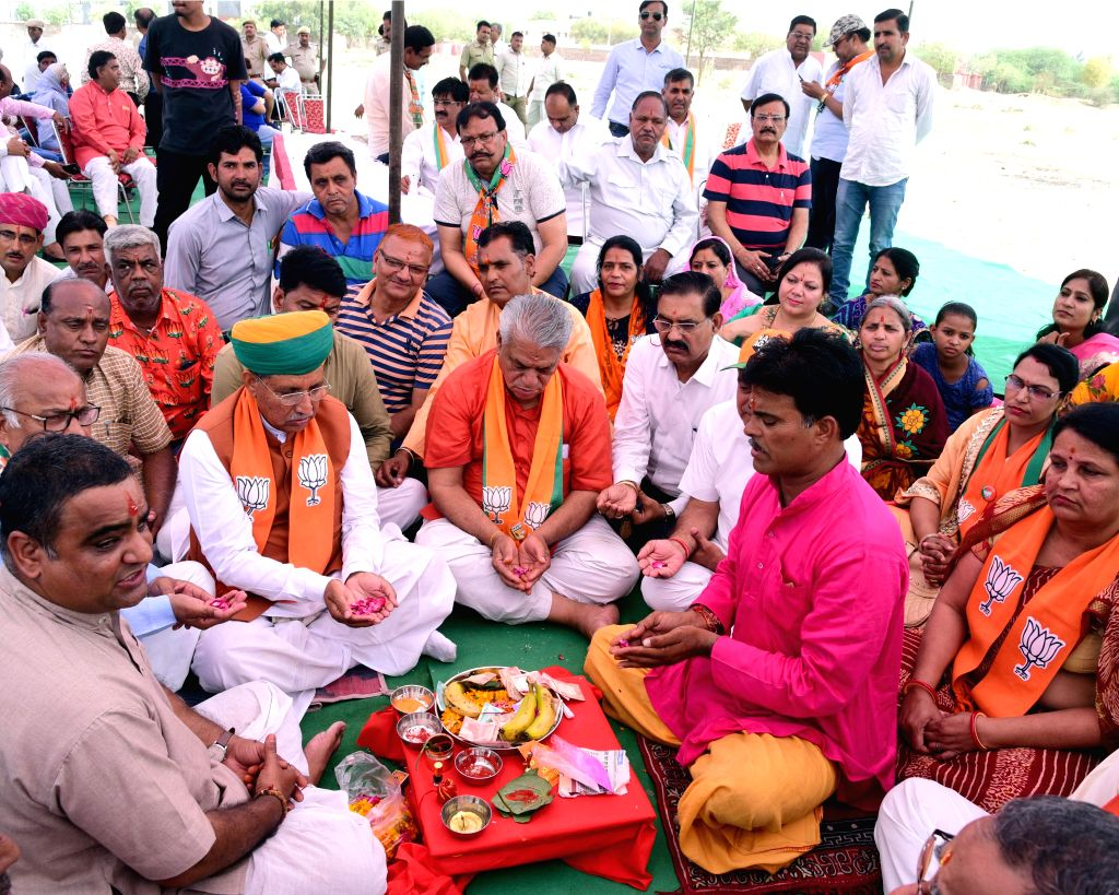 Union Minister and BJP's Lok Sabha candidate from Bikaner, Arjun Ram Meghwal offers prayers for the party's victory in the 2019 Lok Sabha elections, in Rajasthan's Bikaner on April 27, 2019.