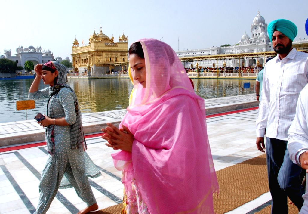 Union Minister and Shiromani Akali Dal's Lok Sabha candidate from Bathinda, Harsimrat Kaur Badal at the Golden Temple, ahead of filing her nomination for the forthcoming Lok Sabha polls, in ... - Harsimrat Kaur Badal