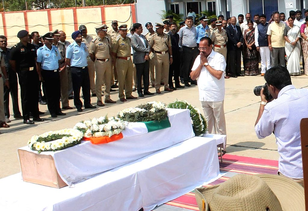 Union Minister DV Sadananda Gowda pays tribute to Guru H who was among the 49 CRPF personnel killed 14 Feb Pulwama militant attack, in Bengaluru on Feb 16, 2019. - D