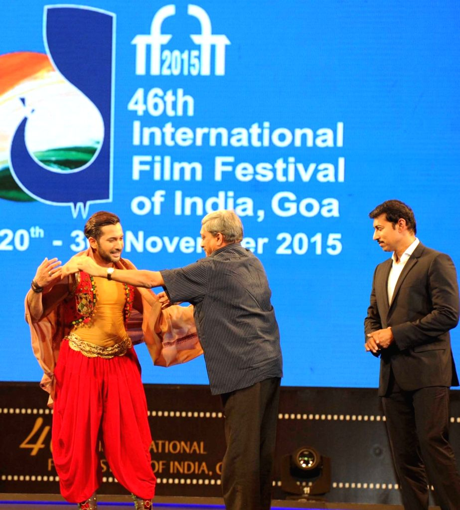 Union Minister for Defence Manohar Parrikar felicitate choreographer Terence Lewis, at the inauguration of the 46th International Film Festival of India (IFFI-2015), in Panaji, Goa on Nov 20, ... - Rajyavardhan Singh Rathore